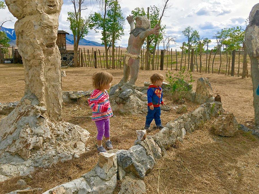 Willow & Maverick at Thunder Mountain Monument